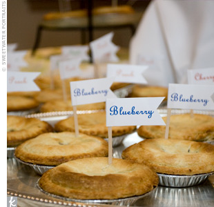 Pie favors